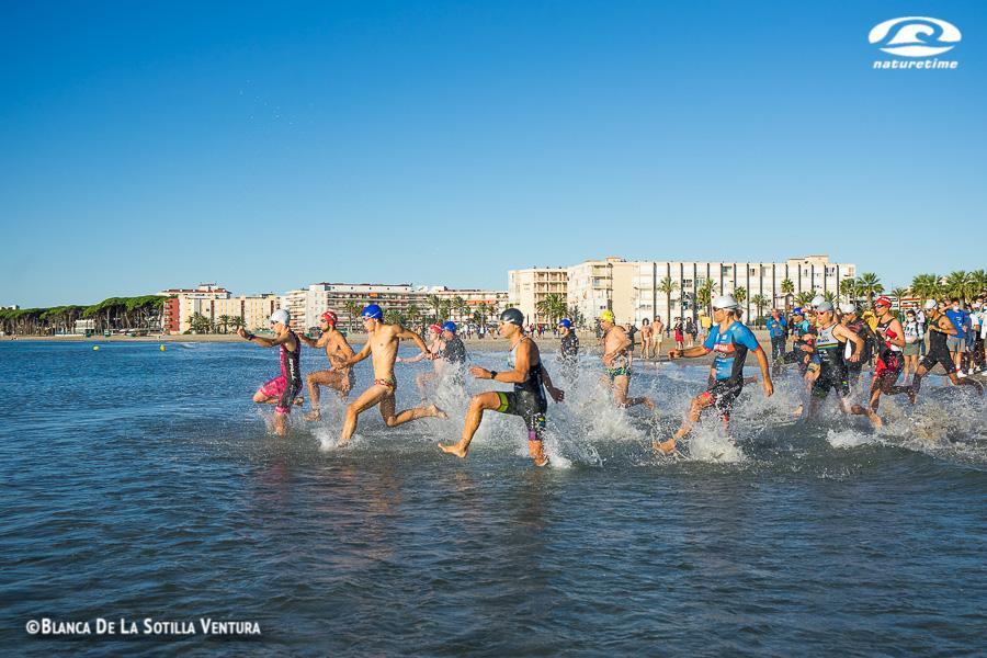 fotos triatlon cros la pineda platja natacion salida